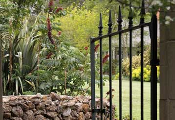 The Benefits Of Installing a Garden Gate | Gate Repair Malibu, CA